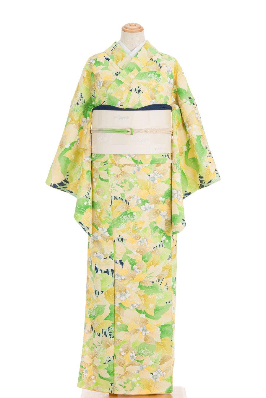 「黄色や緑の葉 白い花」の商品画像
