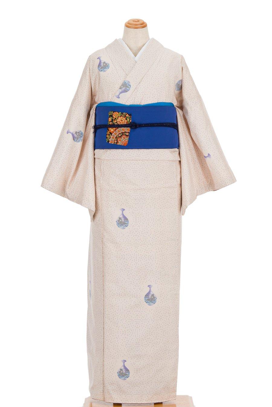 「白大島紬 壺の中の鯉 ゆったりサイズ」の商品画像