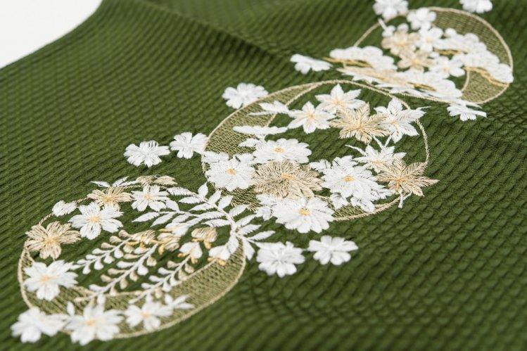 新品帯揚げ 刺繍 丸に花 苔緑のサムネイル画像