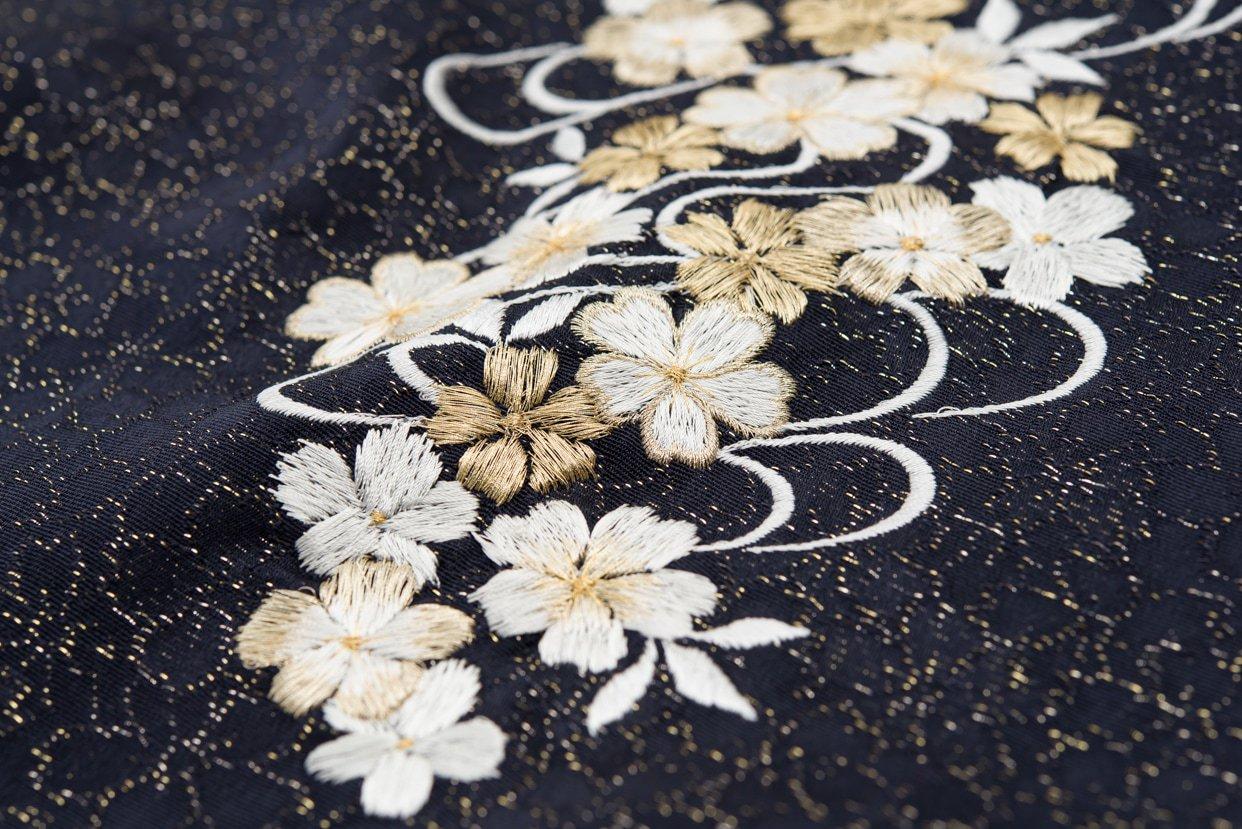 「新品帯揚げ 刺繍 桜流水 黒」の商品画像
