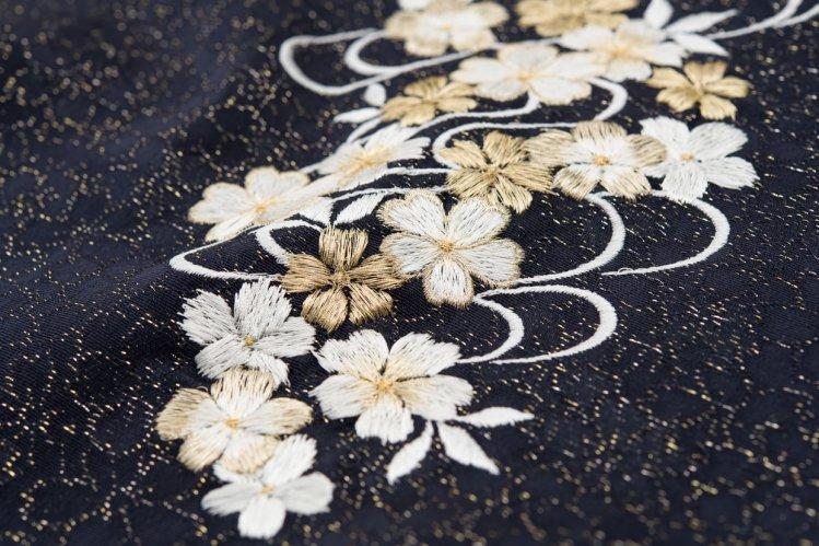 新品帯揚げ 刺繍 桜流水 黒のサムネイル画像