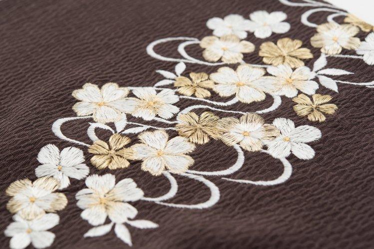 新品帯揚げ 刺繍 桜流水 黒鳶のサムネイル画像