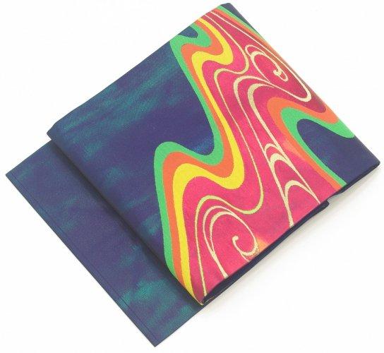 紺地 ダークカラーの曲線のサムネイル画像