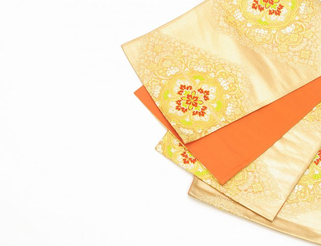 袋帯●金の地 華紋のサムネイル画像