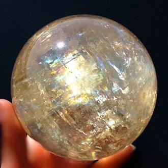 巨石ゴールデンイエローカルサイト虹珠(1.7kg)