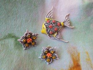 ART お魚のブローチとお花のイヤリングのセット ホワイト(S7850)