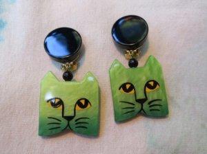 Pavone 黄緑色の四角い猫のイヤリング(S7952)