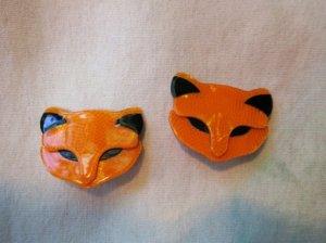 LEA STEIN リースタイン オレンジのネコのイヤリング(S7955)