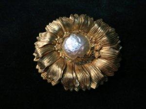 ミリアムハスケル 太陽のように輝く花のブローチ(S7992)