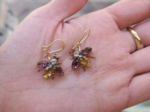 チェコビジュー 揺れる小さなハチのピアス 紫×琥珀(S8061-4)