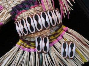 Matisse 白い棗型のパーツが並ぶバングル&イヤリングセット(S8090)
