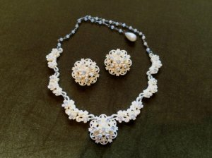 セルロイド お花のネックレスとイヤリングのセット(S8165)
