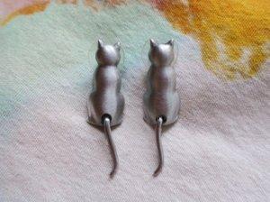 JJ 尻尾が揺れる猫のピアス(S8242)