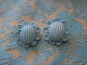 可愛い水色とラインストーンのイヤリング(S-Q)