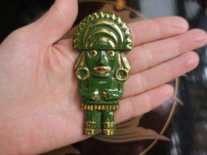 セラミック製民族衣装のブローチ 緑(S8280−2)