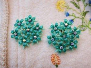 緑色のお花のイヤリング(S8374)