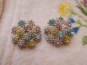 パステルカラーのお花のイヤリング(S8378)