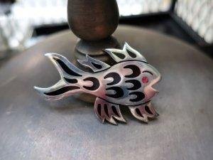 メキシカンヴィンテージ 銀製魚のブローチ(S8550)