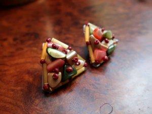 三角のマルチカラーのイヤリング(S8500)