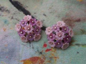 ピンクのお花が並んだイヤリング(S8681-2)