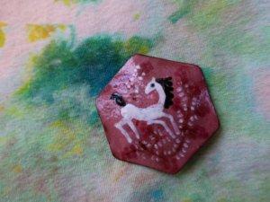 白い馬の七宝焼ブローチ(S8698)