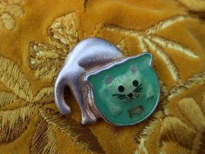 金魚鉢を除く猫のブローチ(S8705)