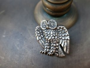 銀製フクロウのブローチ兼ペンダントヘッド(S8711)