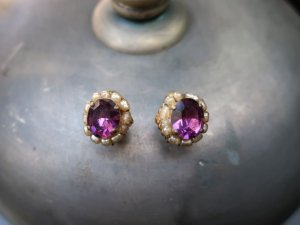 ミリアムハスケル 紫いろのガラスとパールのイヤリング(S8681-3)