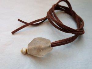 BEADS 古代ガラス 革ひもチョーカー(OG24)