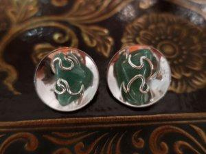 グリーンの天然石のイヤリング(S8681-7)