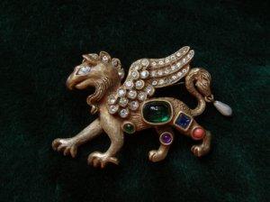 ヴィンテージ ケネスジェイレーン ドラゴンのブローチ ボディに宝石(S7057)