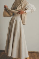 <img class='new_mark_img1' src='https://img.shop-pro.jp/img/new/icons14.gif' style='border:none;display:inline;margin:0px;padding:0px;width:auto;' />CLANE 21AW VOLUME FLARE MAXI SKIRT