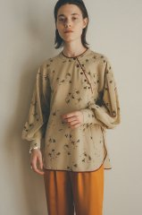 <img class='new_mark_img1' src='https://img.shop-pro.jp/img/new/icons14.gif' style='border:none;display:inline;margin:0px;padding:0px;width:auto;' />CLANE 21AW DRESS FLOWER TOPS