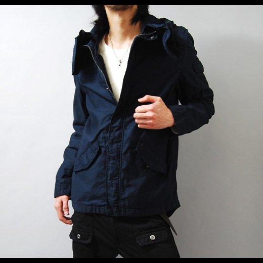 【モッズでは珍しいネイビーカラーが斬新な必見の1着】ボリュームネック・コットンショートモッズコート