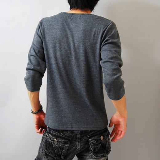 【モードな印象も引き出すシャープ&スタイリッシュ】ボーダープリント・メンズ七分袖VネックTシャツ詳細2