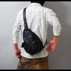 【オシャレでクールなブラックバッグは使い勝手も抜群!】パンチングフェイクレザー・ボディーバッグ