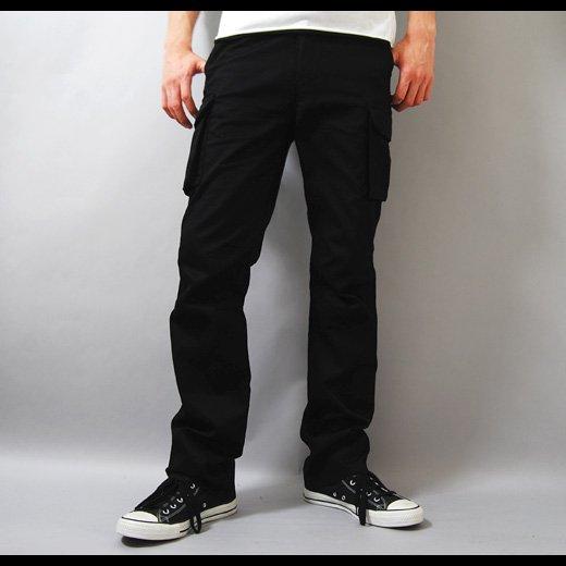 【シャープでシンプルなブラックカーゴでスマートなスタイリングに】6ポケットスリムカーゴパンツ