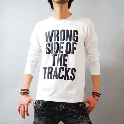 【インパクトで勝負する簡潔で洗練されたレタードTシャツ。】メッセージプリント メンズ長袖Tシャツ詳細1