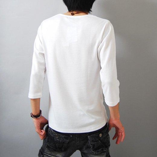 【アンニュイな雰囲気のネックラインが技アリな1着】フォトプリント・ゆる首 メンズ七分袖Tシャツ詳細2
