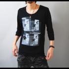 【モノトーンのコントラストが男のセクシーさを引き出す。】フォトプリント・ゆる首 メンズ七分袖Tシャツ