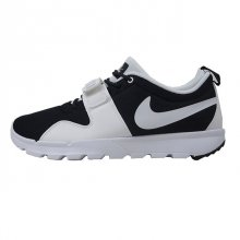 <img class='new_mark_img1' src='https://img.shop-pro.jp/img/new/icons50.gif' style='border:none;display:inline;margin:0px;padding:0px;width:auto;' />NIKE TRAINERENDOR BLACK/WHITE