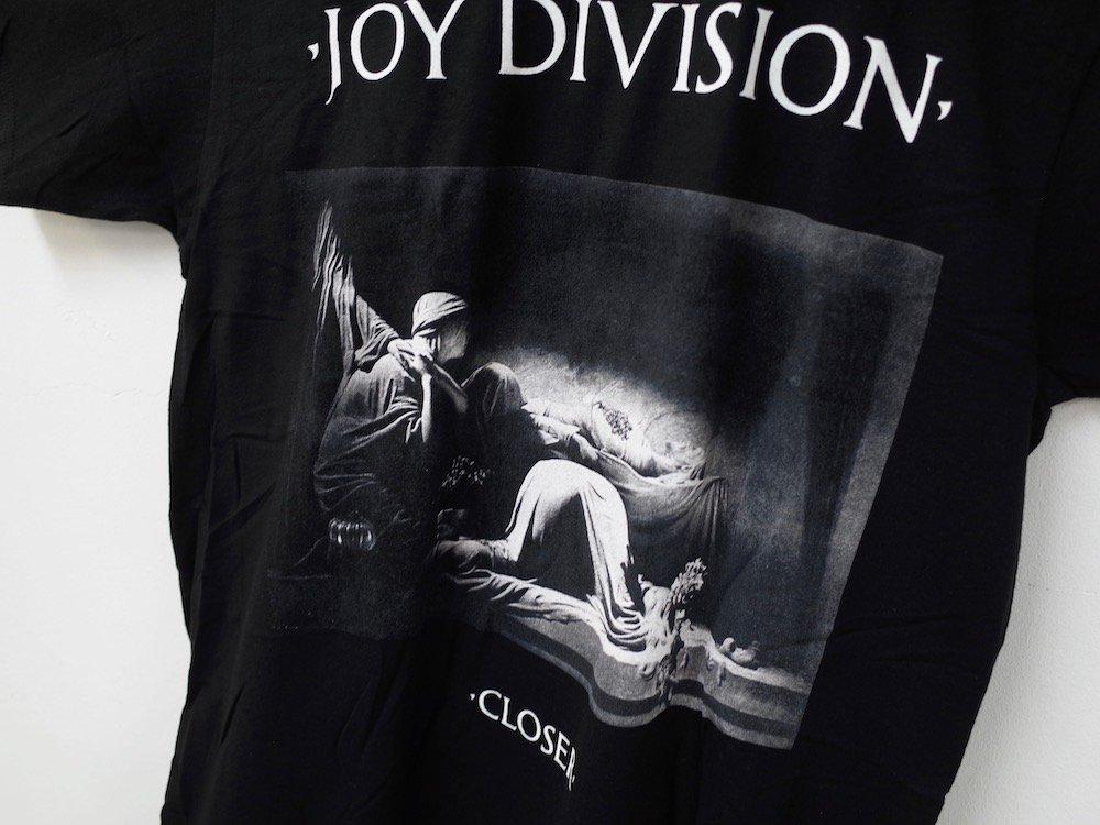 <img class='new_mark_img1' src='https://img.shop-pro.jp/img/new/icons20.gif' style='border:none;display:inline;margin:0px;padding:0px;width:auto;' />海外限定  オフィシャル  Joy Division Closer Tシャツ black