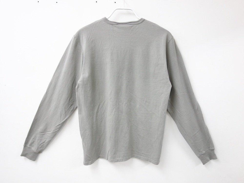 海外企画 Champion Garment Dyed Long-Sleeve Tシャツ Concrete