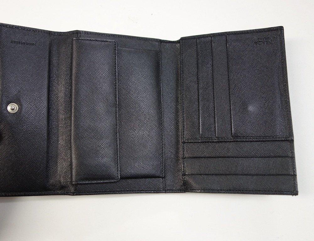 PRADA プラダ  サフィアーノレザー 二つ折り財布 MADE IN ITALY USED