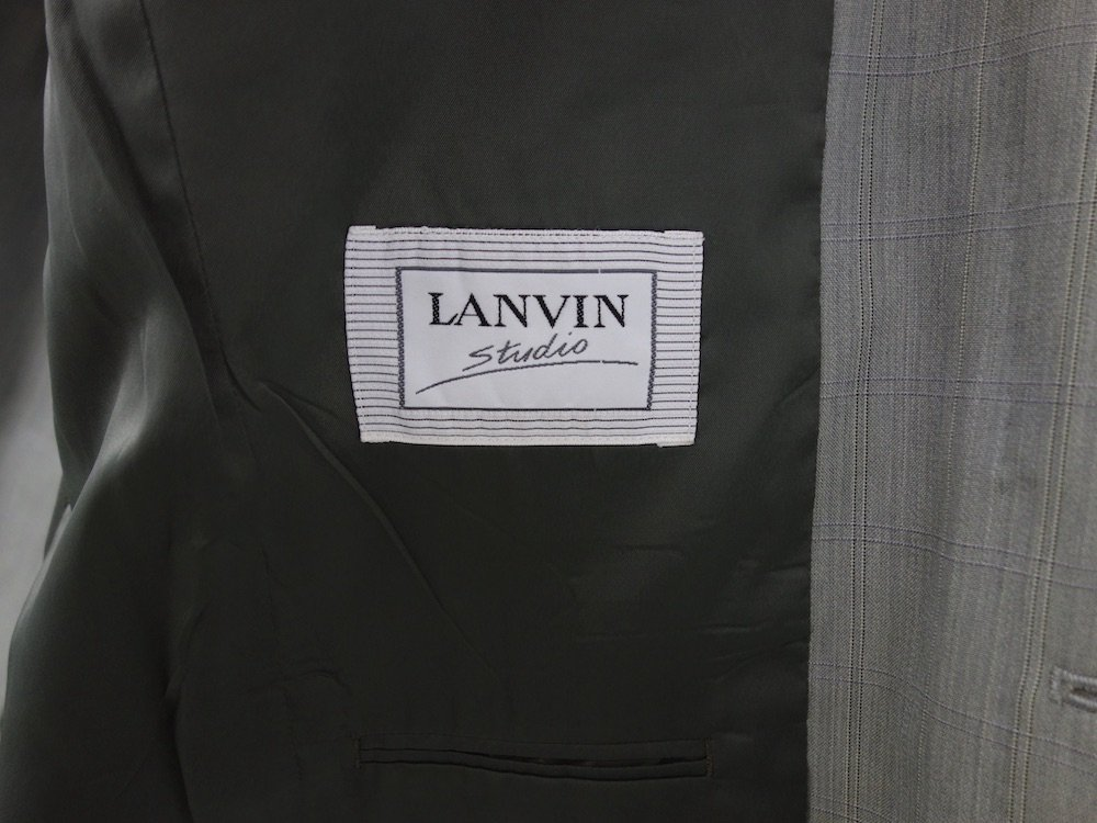 <img class='new_mark_img1' src='https://img.shop-pro.jp/img/new/icons15.gif' style='border:none;display:inline;margin:0px;padding:0px;width:auto;' />OLD LANVIN セットアップ  USED