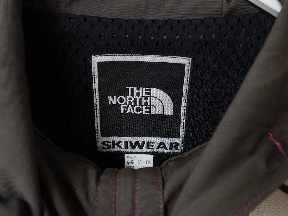 <img class='new_mark_img1' src='https://img.shop-pro.jp/img/new/icons15.gif' style='border:none;display:inline;margin:0px;padding:0px;width:auto;' />Vintage THE NORTH FACE ノースフェイス  SKIWEAR  マウンテンジャケット USED