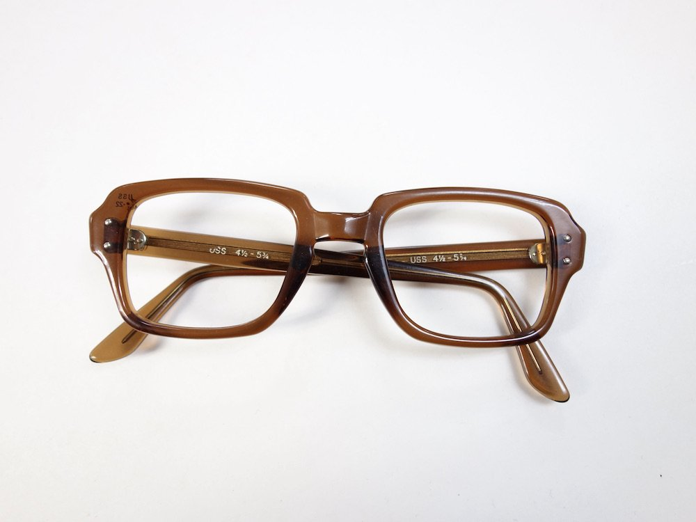 <img class='new_mark_img1' src='https://img.shop-pro.jp/img/new/icons15.gif' style='border:none;display:inline;margin:0px;padding:0px;width:auto;' />Vintage 90s USS Military eye wear flame メガネフレーム DEAD STOCK