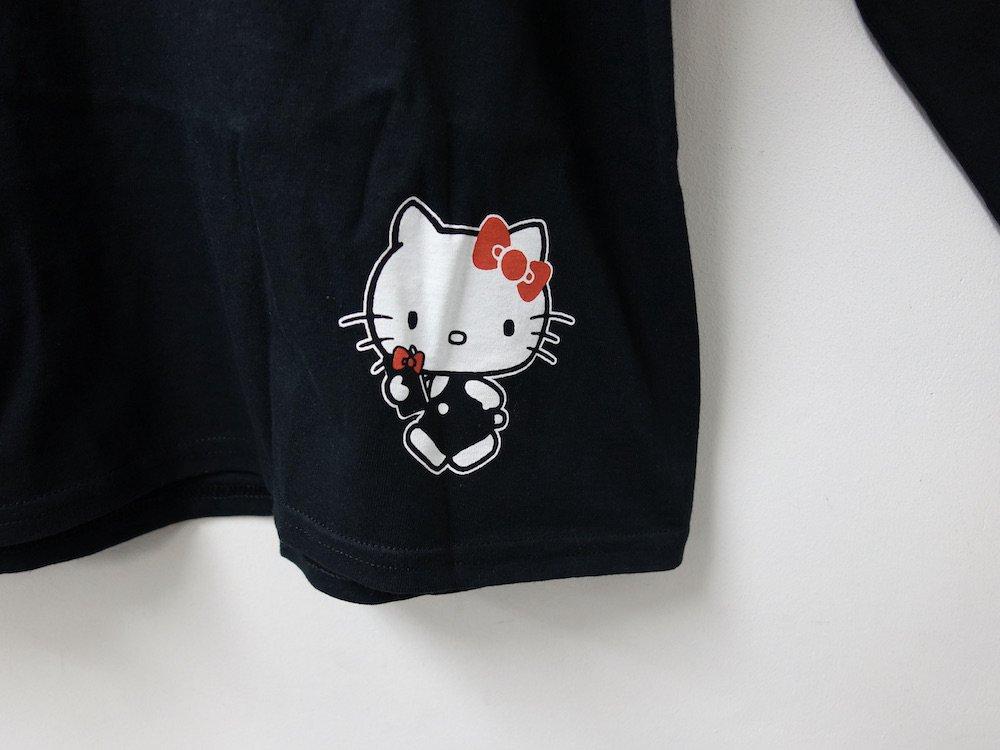 <img class='new_mark_img1' src='https://img.shop-pro.jp/img/new/icons15.gif' style='border:none;display:inline;margin:0px;padding:0px;width:auto;' />海外限定 オフィシャル  Hello Kitty L/S Tシャツ