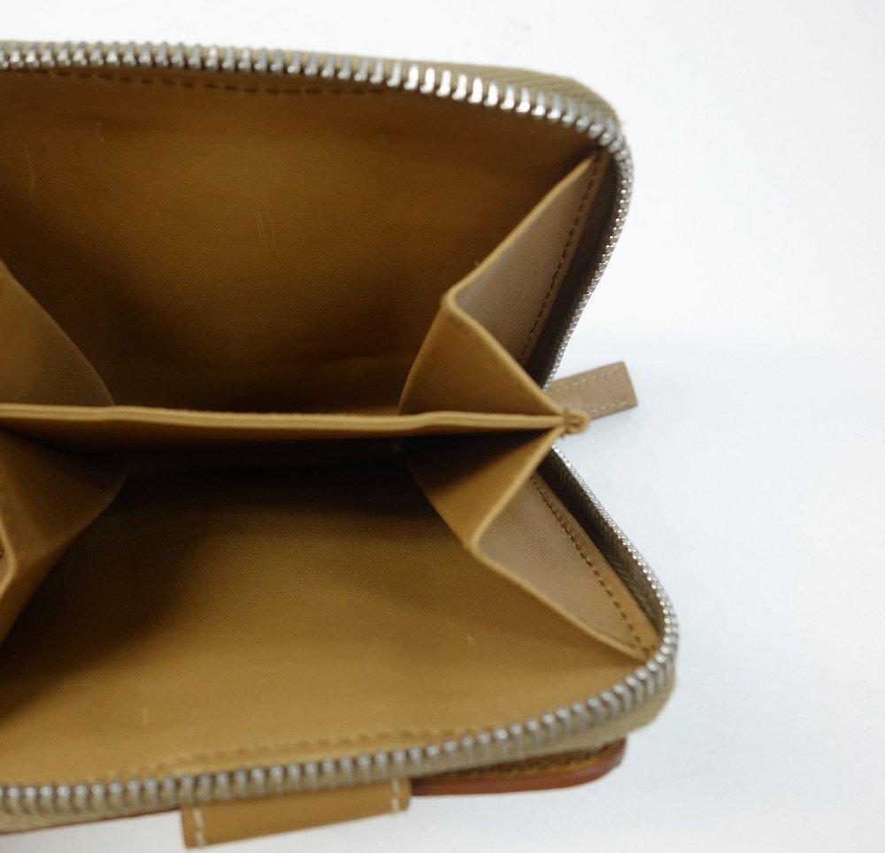 PRADA プラダ  ロゴ 二つ折り財布 MADE IN ITALY USED