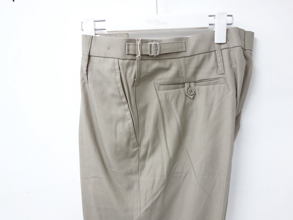 <img class='new_mark_img1' src='https://img.shop-pro.jp/img/new/icons15.gif' style='border:none;display:inline;margin:0px;padding:0px;width:auto;' />イギリス軍 RAF TROUSERS オフィサーパンツ DEAD STOCK